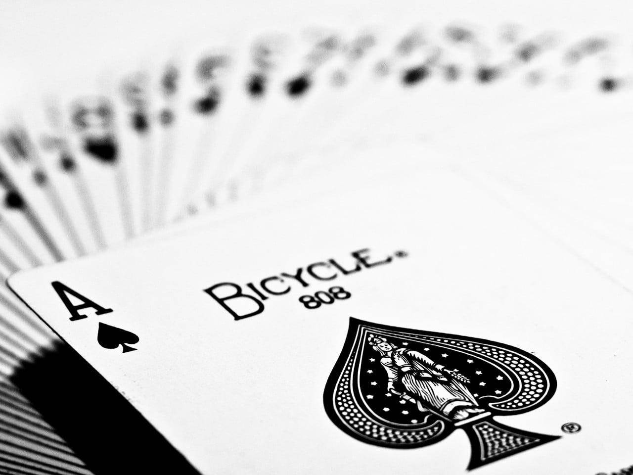 Strategi Memenangkan Jackpot Poker Online yang Terkini